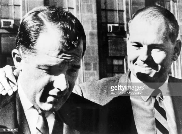 1966 Cleveland Ohio USA Dr Sam Sheppard with his attorney FLee Bailey Dr Sam Sheppard was acquitted in a new trial after serving nearly 10 years in...
