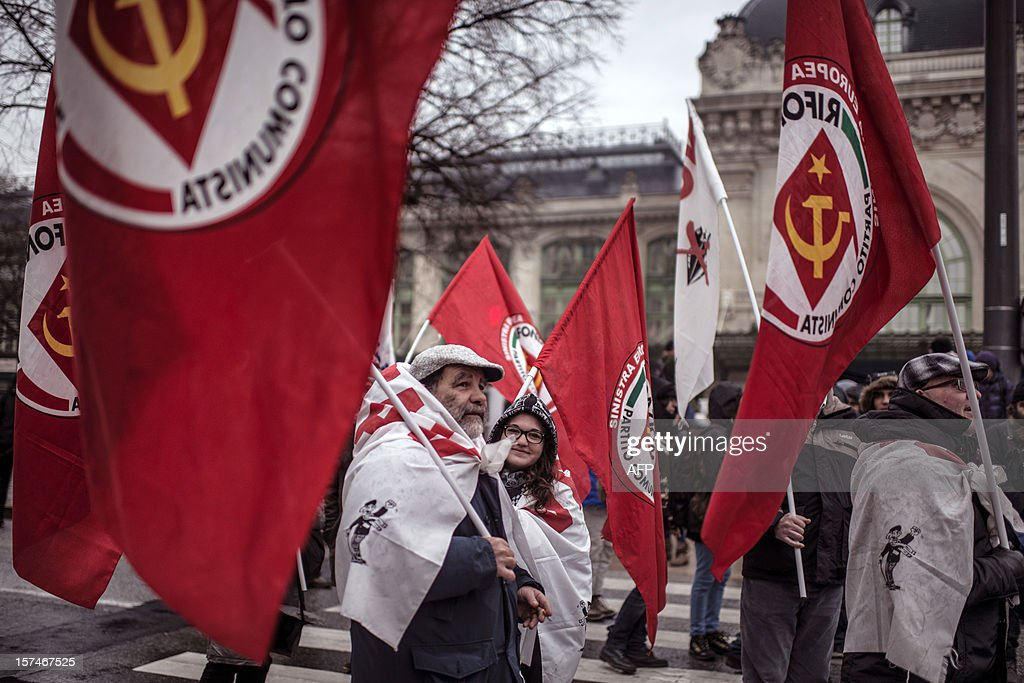 People demonstrate against the new LGV Lyon-Turin project, on December 3, 2012 in Lyon, on the sideline of the 30th France-Italy annual summit. AFP PHOTO / JEFF PACHOUD
