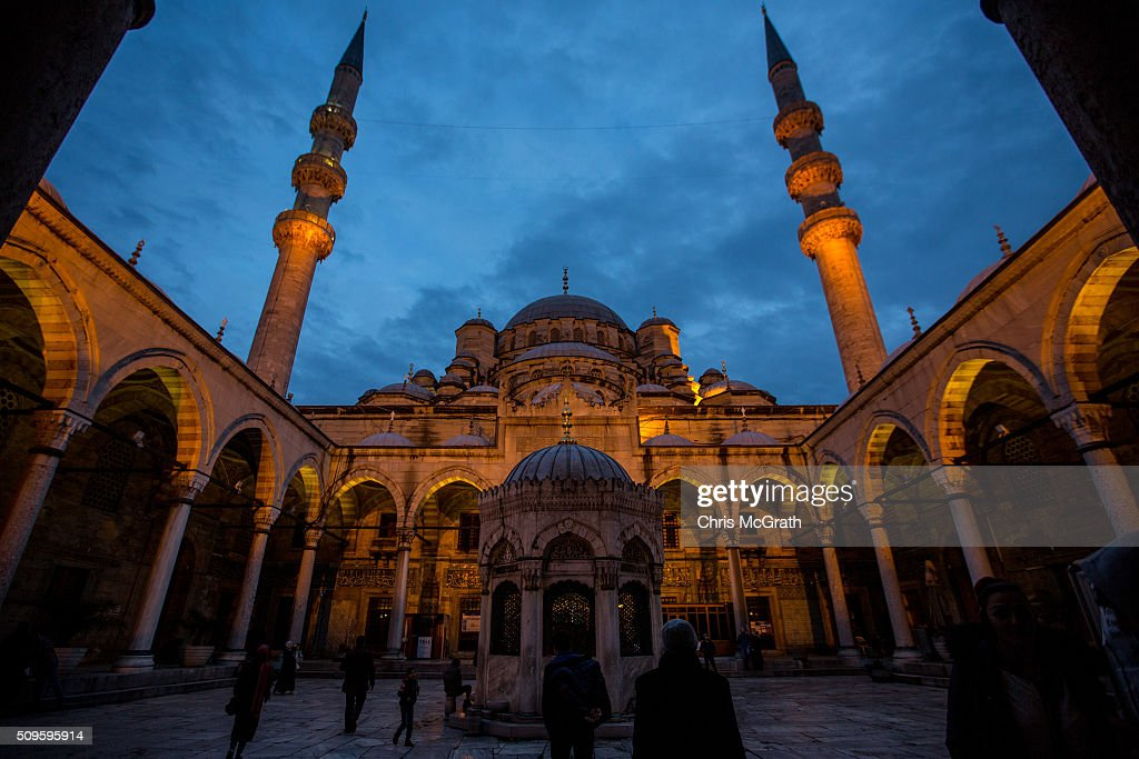People enter the Eminonu Mosque on February 11, 2016 in Istanbul, Turkey. Istanbul is famous for its skyline dotted with historic mosques, it is home to more than 3000 mosques, the most of any city in Turkey and includes the famous Blue Mosque and Suleymaniye Mosque.