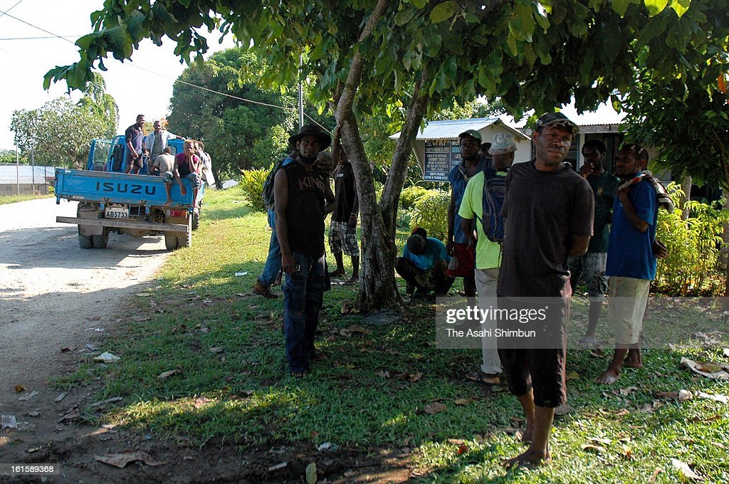 People evacuate to where the provincial government buildings reside, as Magnitude 6.6 strong aftershock hit on February 10, 2013 in Lata, Nendo Island, Solomon Islands. A Magnitude 8.0 earthquake jolted Solomon Islands on February 6, at least 10 people were killed.