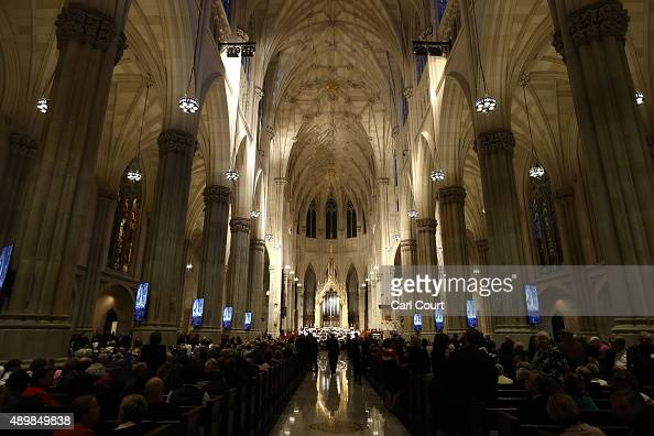 People gather in St Patrick's Cathedral ahead of the arrival of Pope Francis on September 24 2015 in New York City Pope Francis is in New York on a...