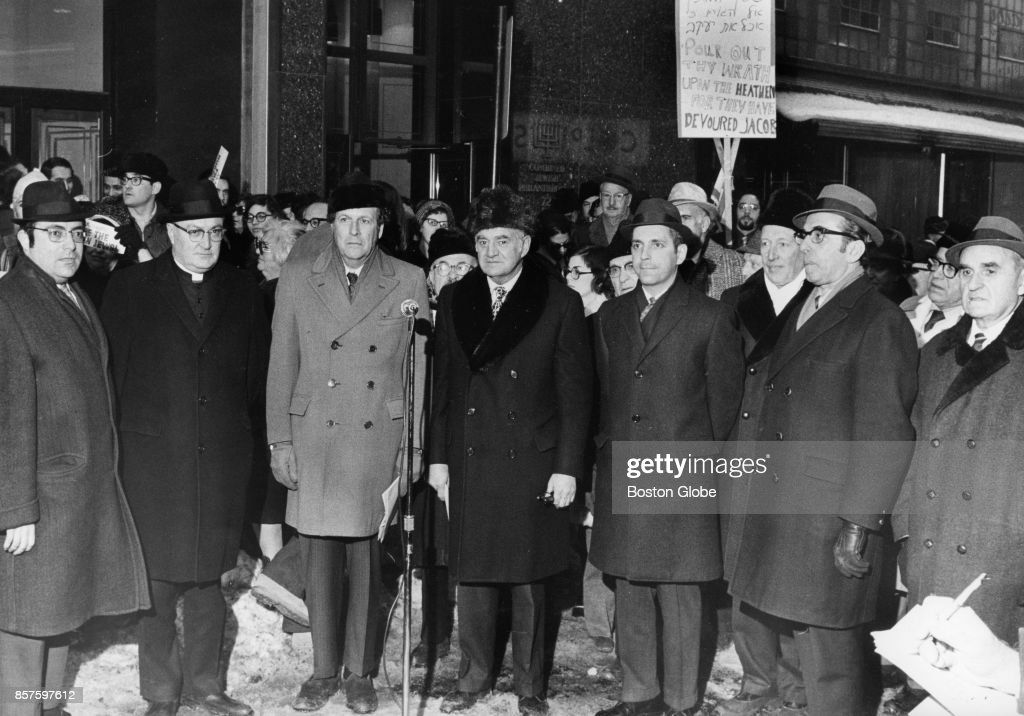 People gather outside for the 72 Franklin St. for the Soviet Jewry Rally in Boston, Dec. 29, 1970.
