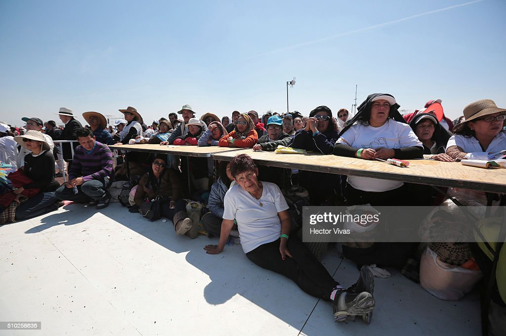 People listen a Pope Francis mass at Ecatepec on February 14, 2016 in Ecatepec, Mexico. Pope Francis is on a five days visit in Mexico from February 12 to 17 where he is expected to visit five states.