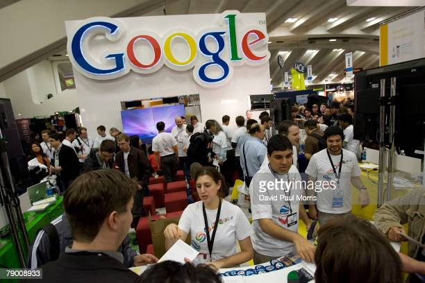 People look over the Google booth at the 2008 Macworld at the Moscone Center January 15 2008 in San Francisco California The annual conference and...