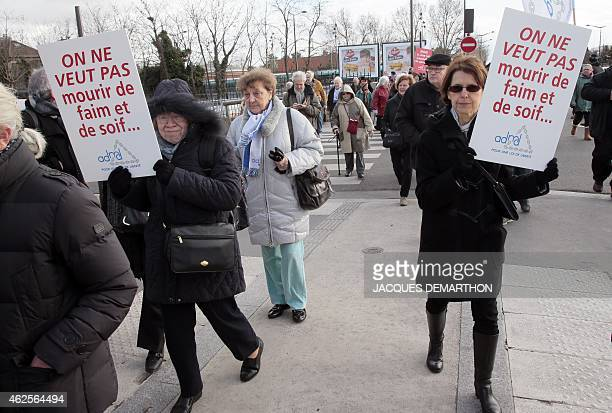 People march on January 31 2015 to support the legalization of euthanasia in a protest called by the Association for the Right to Die in Dignity in...