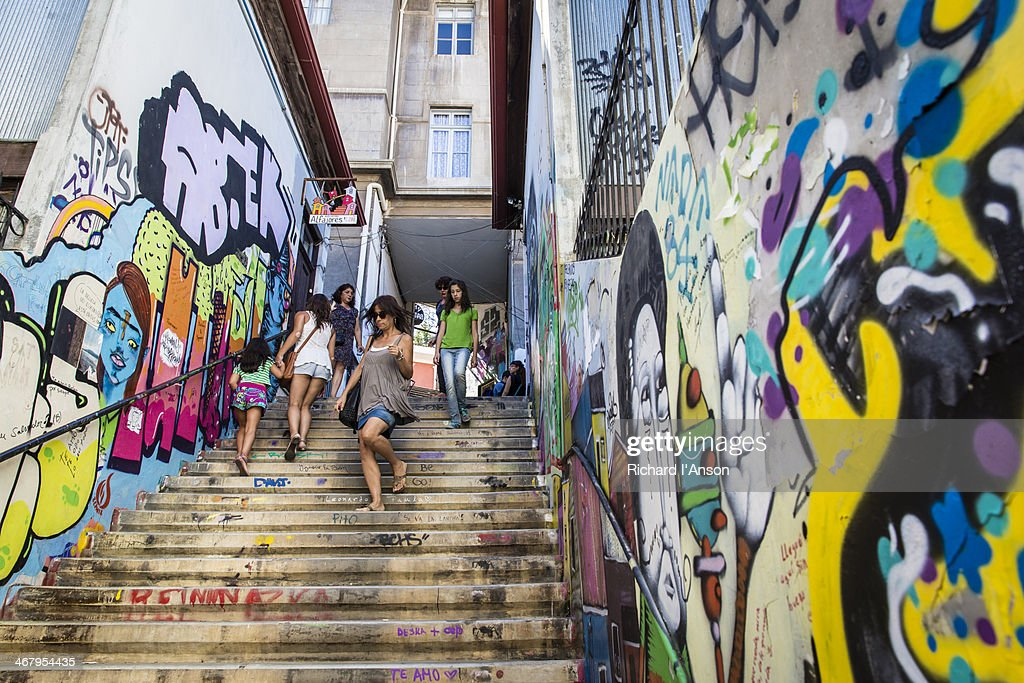 People on steps on Alegre Hill