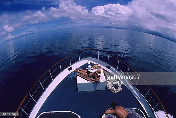 Menschen auf Yacht