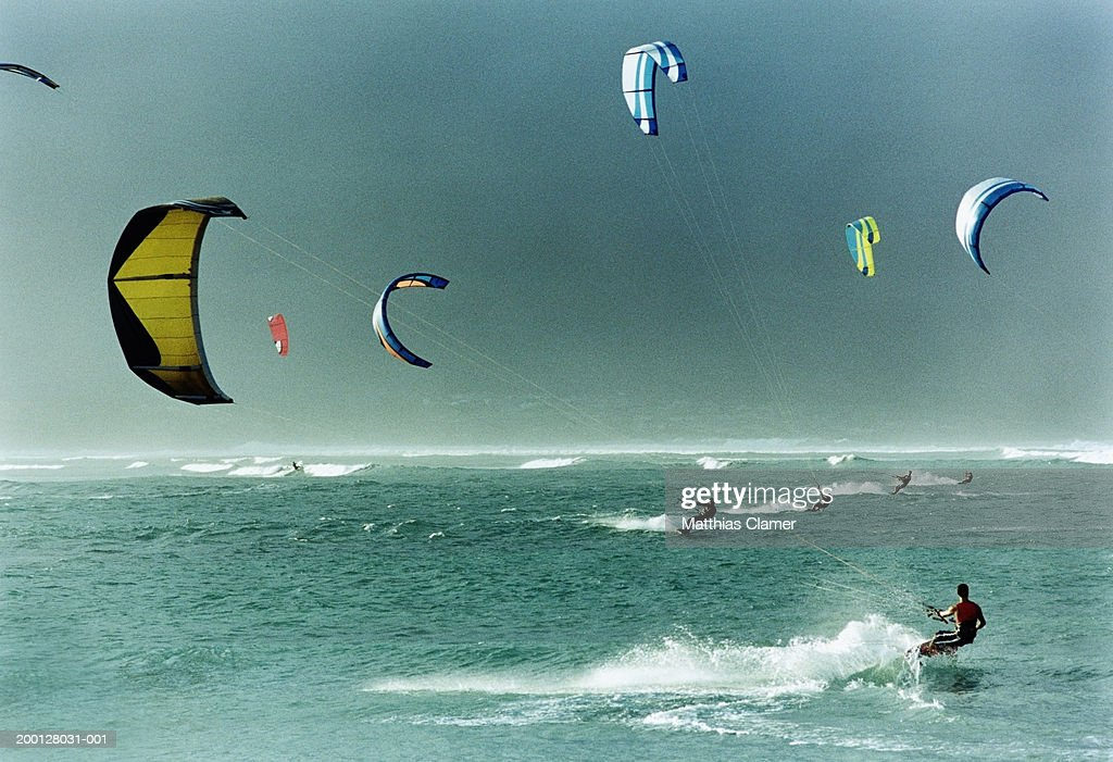 People parasailing on ocean : Stock Photo
