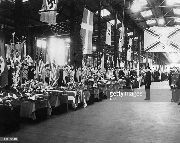 People pay tribute to the victims of the accident of the German giant zeppelin 'Hindenburg' during a ceremony in May 1937 in Lakehurst USA Pride of...