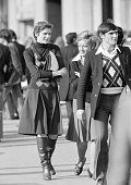 people pedestrian zone woman aged 25 to 30 years woman aged 35 to 40 years man aged 25 to 30 years waistcoat skirt boats jacket France Paris