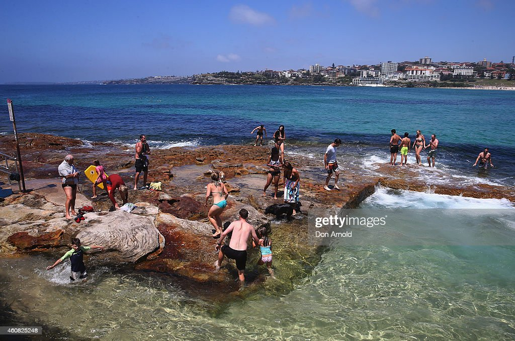 People celebrate christmas at bondi beach getty images for Pool show sydney