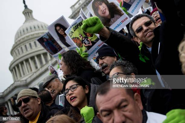 People protest the cancellation of the Deferred Action for Childhood Arrivals rally on Capitol Hill December 6 2017 in Washington DC / AFP PHOTO /...