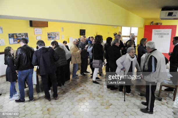 People queueing while to cast their vote for Democratic Party leadership primaries on April 30 2017 in Pontassieve Italy Matteo Renzi after losing...
