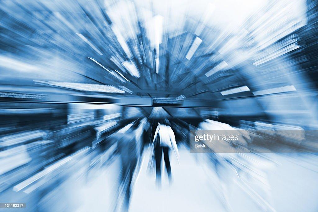 People Rushing Towards Subway Station, Blurred : Foto de stock