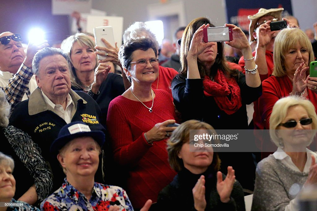People stand and cheer when Republican presidential candidate Sen. Marco Rubio (R-FL) arrives for a campaign town hall meeting at the Crown Reef Beach Resort February 11, 2016 in Myrtle Beach, South Carolina. Earlier in the week Rubio placed fifth in the New Hampshire primary, behind fellow GOP candidates Jeb Bush, John Kasich, Sen. Ted Cruz (R-TX) and Donald Trump, who won with 35 percent of the vote.