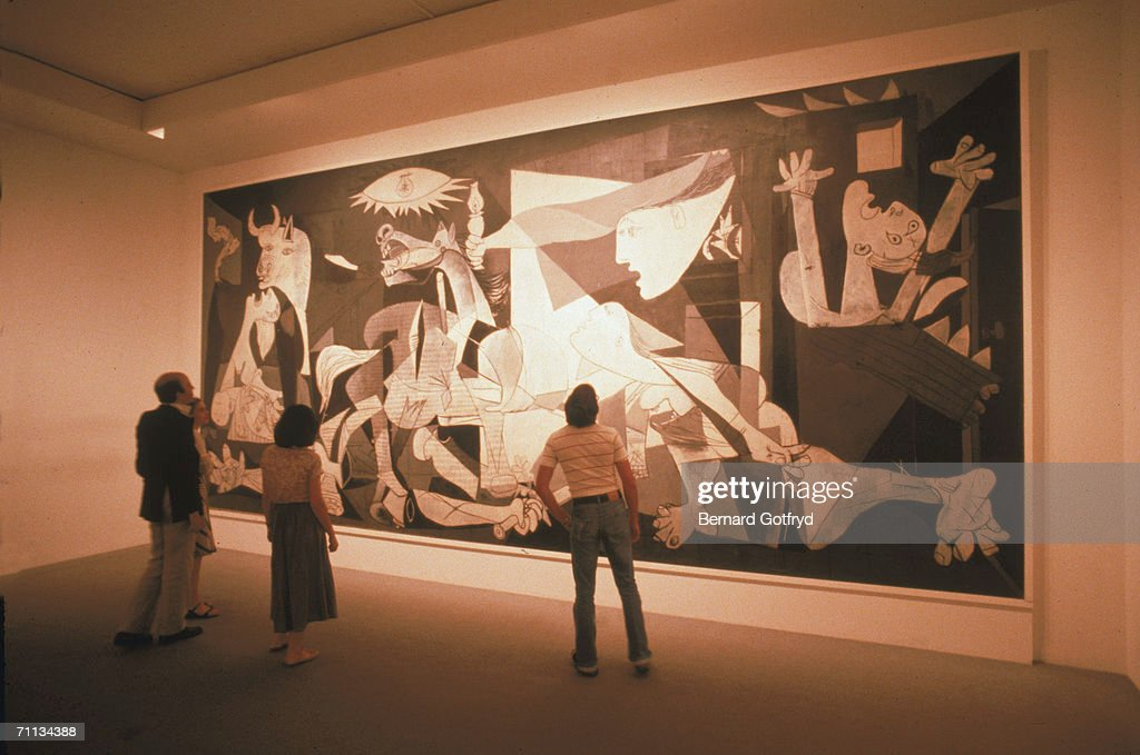 On this day september 10 picasso masterpiece guernica for Mural guernica