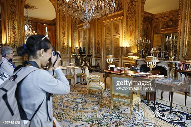 People visits the office of French President Francois Hollande on September 20 2014 at the Elysee presidential palace in Paris during the 31st...