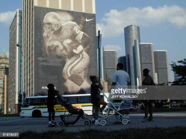 Detroit pictures fotograf as e im genes de stock getty for Detroit mural factory