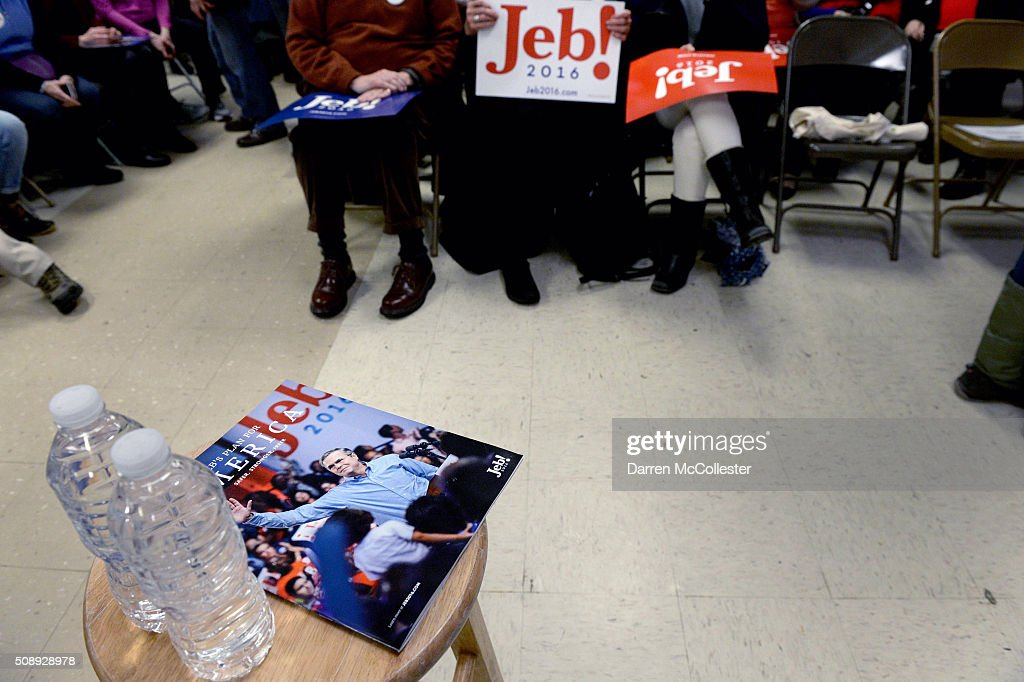 People wait for Republican Presidential candidate Jeb Bush at a town hall at Woodbury School February 7, 2016 in Salem, New Hampshire. Candidates are in a last push for votes ahead of the first in the nation primary on February 9.
