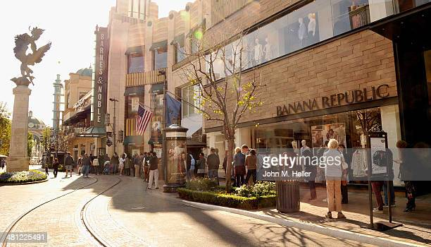Barnes Amp Noble The Grove Stock Photos And Pictures Getty Images