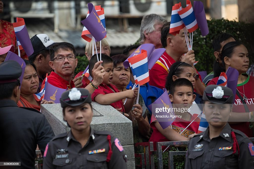 People wait the coming of the Thai Princess Sirindhorn in Chinatown on Yaowarat Road in Bangkok, Thailand on February 8, 2016. The Lunar new year will mark the start of the year of the monkey and will widely celebrated throughout the country where 14 percent of the population is ethnic Chinese.