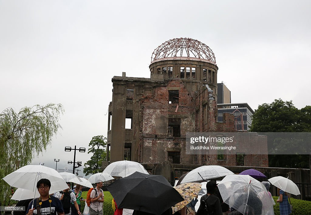 hiroshima killing thousands of people essay View and download hiroshima essays examples also discover topics, titles, outlines, thesis statements, and conclusions for your hiroshima essay.