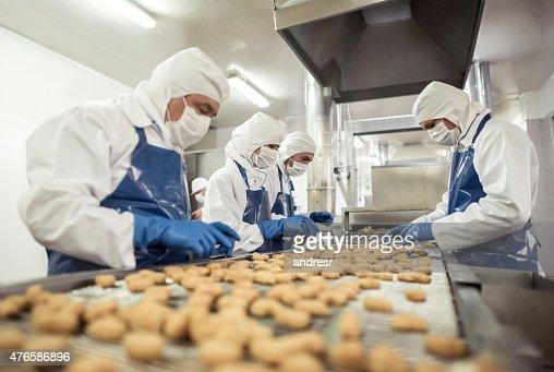 人々の仕事、工場でのお食事