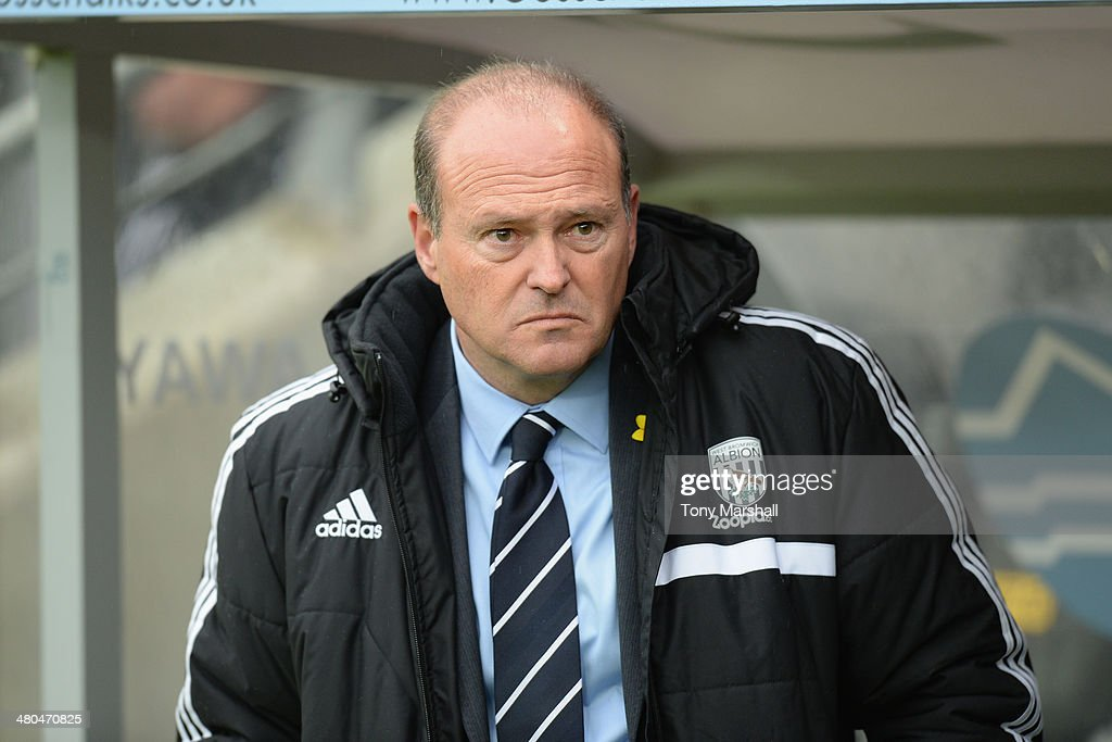 <a gi-track='captionPersonalityLinkClicked' href=/galleries/search?phrase=Pepe+Mel&family=editorial&specificpeople=3667674 ng-click='$event.stopPropagation()'>Pepe Mel</a>, Manager of West Bromwich Albion during the Barclays Premier League match between Hull City and West Bromwich Albion at KC Stadium on March 22, 2014 in Hull, England.