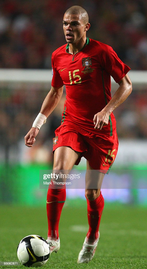 Pepe of Portugal in action during the FIFA 2010 European World Cup qualifier first leg match between Portugal and Bosnia-Herzegovina at the Luz stadium on November 14, 2009 in Lisbon, Portugal.