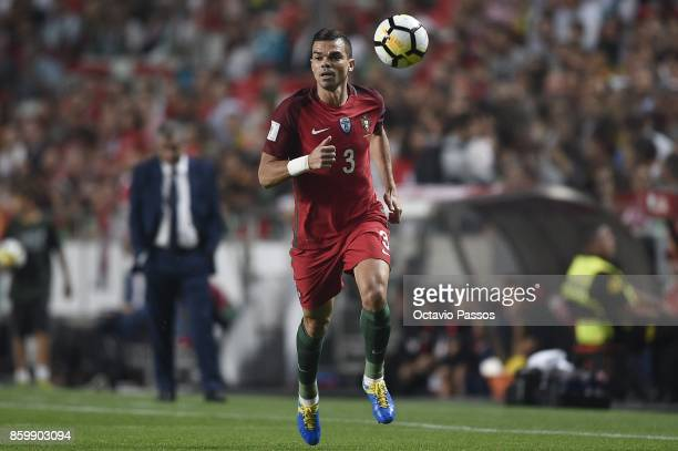 Pepe of Portugal in action during the FIFA 2018 World Cup Qualifier between Portugal and Switzerland at the Luz Stadium on October 10 2017 in Lisbon...