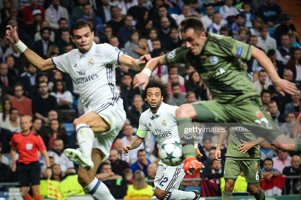 Real Madrid CF v Legia Warszawa - UEFA Champions League : News Photo