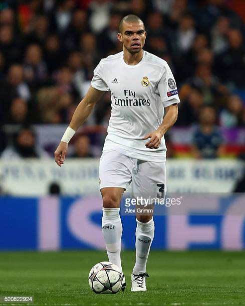 Pepe of Real Madrid controles the ball during the UEFA Champions league Quarter Final Second Leg match between Real Madrid and VfL Wolfsburg at...