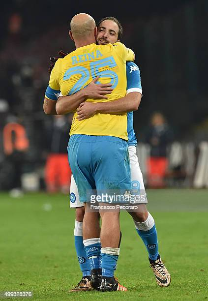 Pepe Reina and Gonzalo Higuain of SSC Napoli celebrate the victory after the Serie A match between SSC Napoli and FC Internazionale Milano at Stadio...