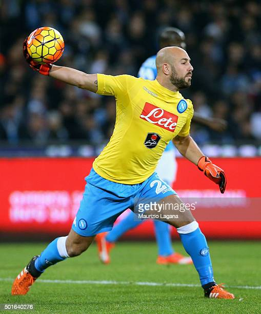 Pepe Reina of Napoli during the Serie A match betweeen SSC Napoli and AS Roma at Stadio San Paolo on December 13 2015 in Naples Italy