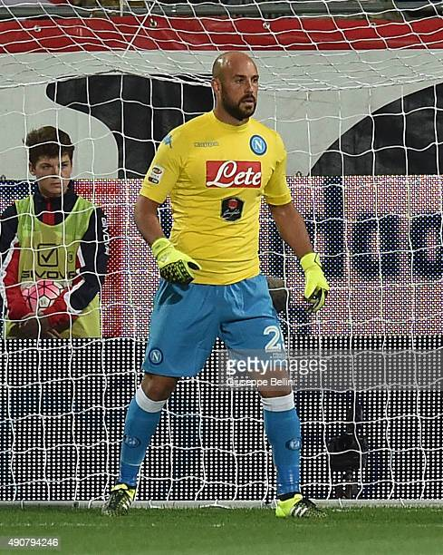 Pepe Reina of Napoli in action during the Serie A match between Carpi FC and SSC Napoli at Alberto Braglia Stadium on September 23 2015 in Modena...