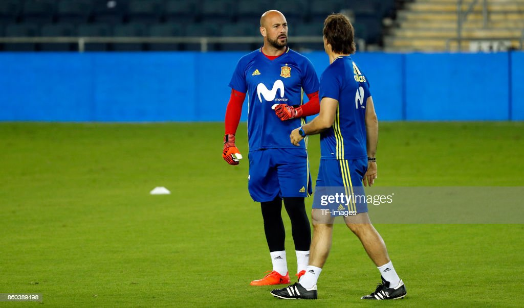Pepe Reina of Spain attends a training session on October 8, 2017 in Jerusalem, Israel.