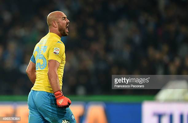 Pepe Reina of SSC Napoli celebrate a victory after the Serie A match between SSC Napoli and FC Internazionale Milano at Stadio San Paolo on November...