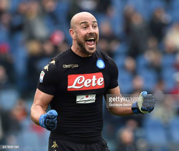 Pepe Reina of SSC Napoli celebrates the victory after the Serie A match between AS Roma and SSC Napoli at Stadio Olimpico on March 4 2017 in Rome...