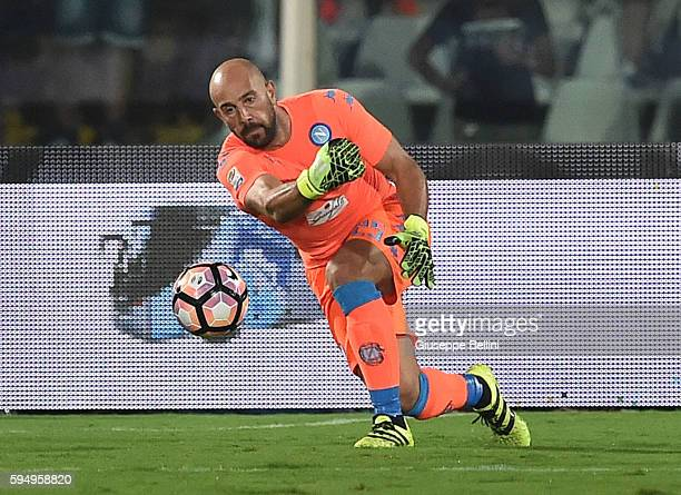 Pepe Reina of SSC Napoli in action during the Serie A match between Pescara Calcio and SSC Napoli at Adriatico Stadium on August 21 2016 in Pescara...