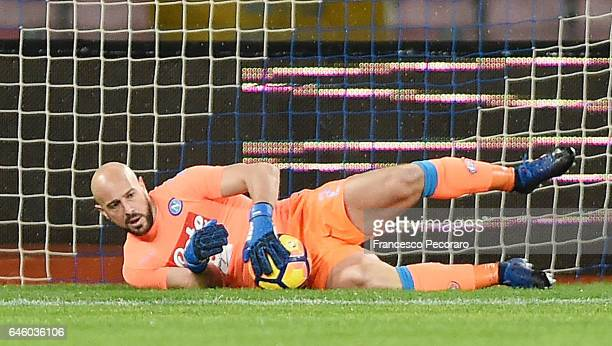Pepe Reina of SSC Napoli in action during the Serie A match between SSC Napoli and Atalanta BC at Stadio San Paolo on February 25 2017 in Naples Italy