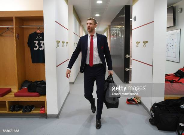 Per Mertesacker in the Arsenal changing room before the Premier League match between Arsenal and Tottenham Hotspur at Emirates Stadium on November 18...