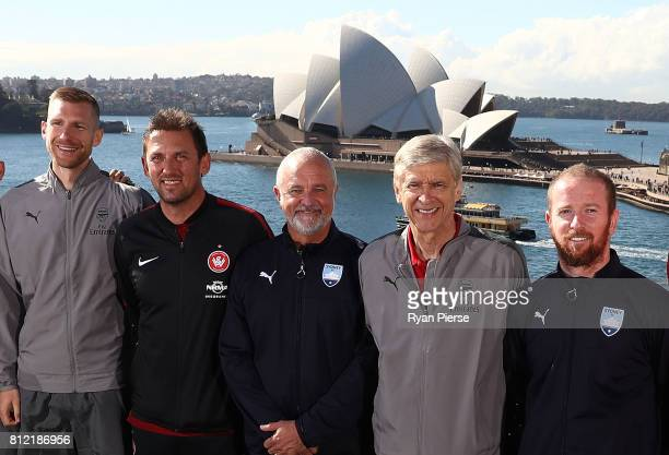 Per Mertesacker of Arsenal Wanderers coach Tony Popovic Sydney FC Coach Graham Arnold Arsenal Manager Arsene Wenger and David Carney of Sydney FC...