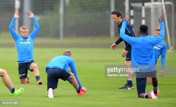 Per Skjelbred Fitnesstrainer Henrik Kuchno and Alexander Esswein of Hertha BSC during the training on july 7 2017 in Berlin Germany