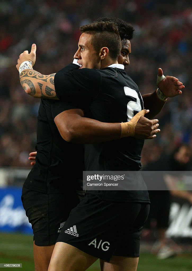 Perenara of the All Blacks celebrates scoring a try with team mate Julian Savea during The Rugby Championship match between Argentina and the New...