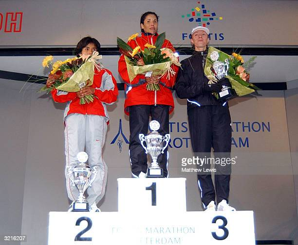 Perez Madai of Mexico Zhar El Kamch of Morocco and Burykina Jelena of Russia during the Rotterdam Marathon on April 4 2004 in Rotterdam Netherland
