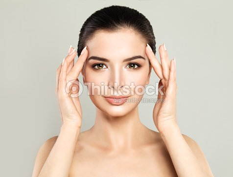 Perfect Model Woman with Healthy Skin. Spa Beauty, Facial Treatment and Cosmetology Concept : Foto stock