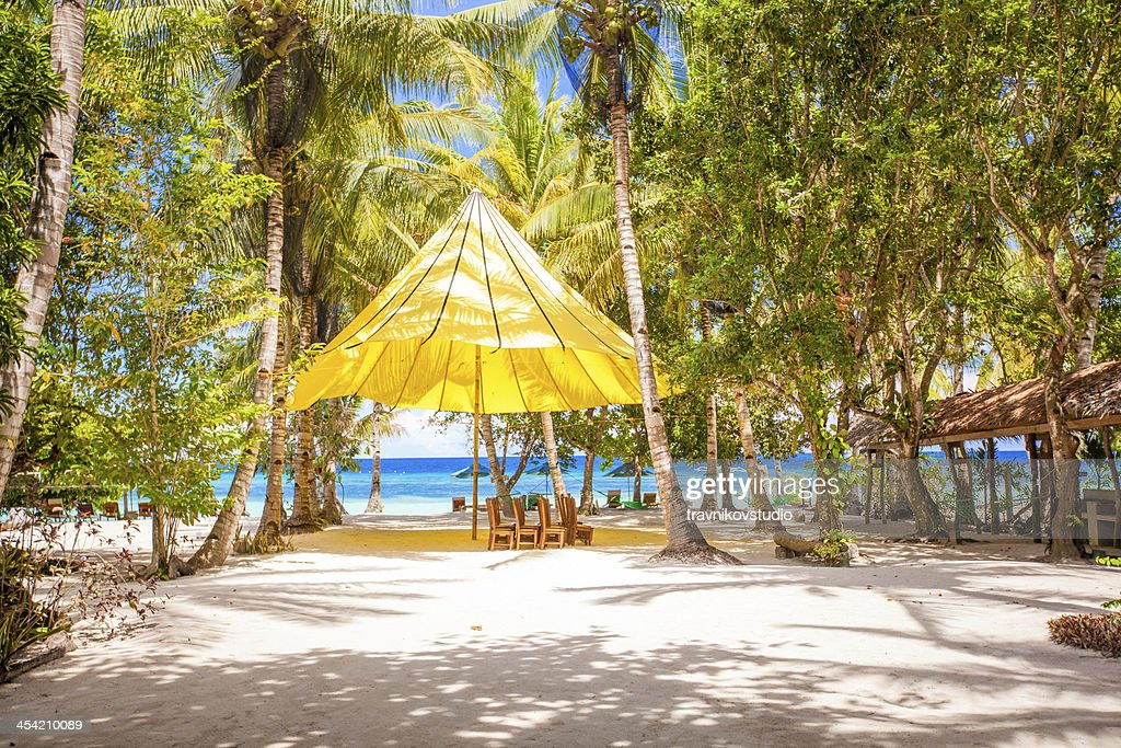 Perfect tropical beach in exotic resort : Stock Photo