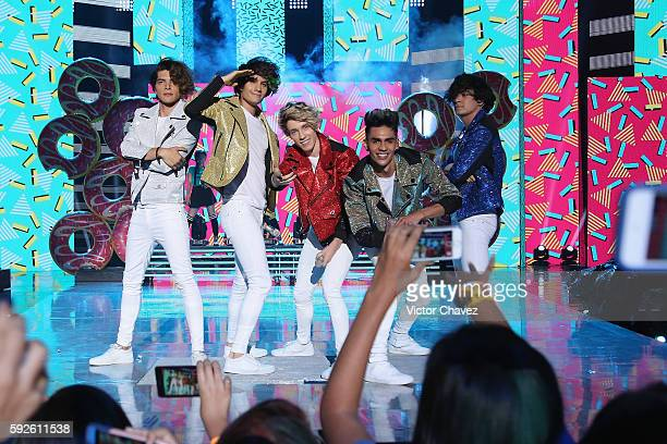 CD9 perform on stage during the Nickelodeon Kids' Choice Awards Mexico 2016 at Auditorio Nacional on August 20 2016 in Mexico City Mexico