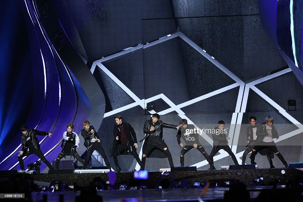<a gi-track='captionPersonalityLinkClicked' href=/galleries/search?phrase=EXO+-+Band&family=editorial&specificpeople=9756418 ng-click='$event.stopPropagation()'>EXO</a> perform on the stage during the 2015 Mnet Asian Music Awards (MAMA) at AsiaWorld-Expo on December 2, 2015 in Hong Kong, China.