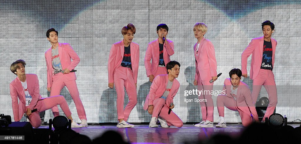 <a gi-track='captionPersonalityLinkClicked' href=/galleries/search?phrase=EXO+-+Band&family=editorial&specificpeople=9756418 ng-click='$event.stopPropagation()'>EXO</a> perform onstage during the 2015 Gangnam Hanryu Festival at Yeongdong-daero on October 4, 2015 in Seoul, South Korea.